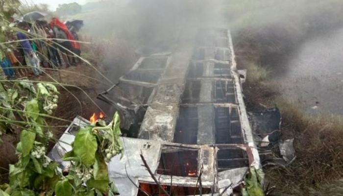 दंतेवाड़ा: नक्सलियों ने बेहरमी से की पंच की हत्या, वाहनों में लगाई आग, इलाके में दहशत