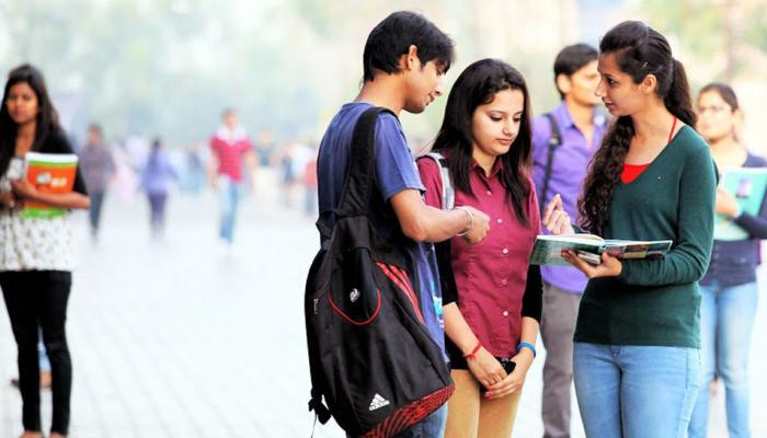 भारत में कॉलेज स्टूडेंट्स एक दिन में 150 बार करते हैं ये काम, हो जाएंगे हैरान