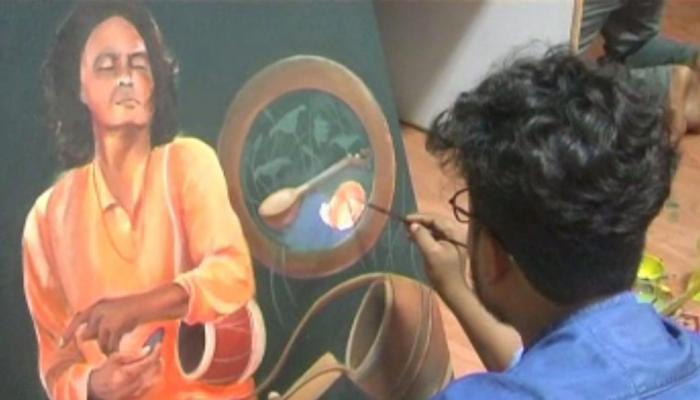 जमशेदपुर : चित्रकारों ने पेंटिंग बनाकर किया प्लास्टिक बैन का स्वागत
