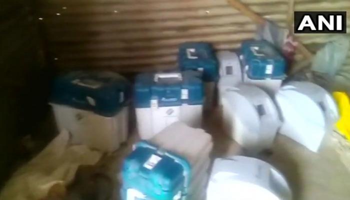 कर्नाटक : मजदूरों के घर से मिलीं 8 वीवीपैट मशीनें, चुनाव आयोग ने शुरू की जांच
