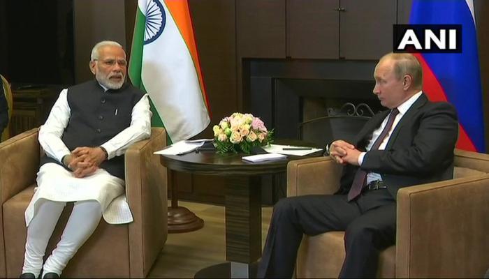 रूस की यात्रा पर पीएम मोदी, सोची शहर में राष्ट्रपति पुतिन से की मुलाकात
