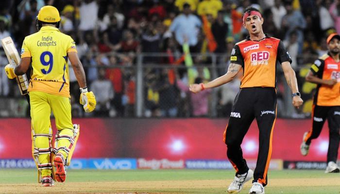 VIDEO : सिद्धार्थ कौल की दो जादुई गेंदों ने किया कमाल, चेन्नई के दो दिग्गज हुए हैरान
