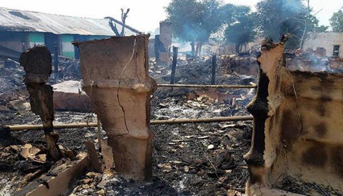 जम्मू-कश्मीर : रमजान में भी 'नापाक' हरकतों से बाज नहीं आ रहा पाक, गोलीबारी में 4 लोगों की मौत