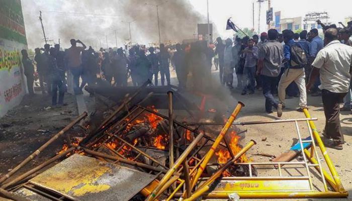 तमिलनाडु: कंट्रोल नहीं हो रहे हालात, पुलिस फायरिंग में फिर गई एक की जान, अब तक हो चुकी हैं 12 मौतें