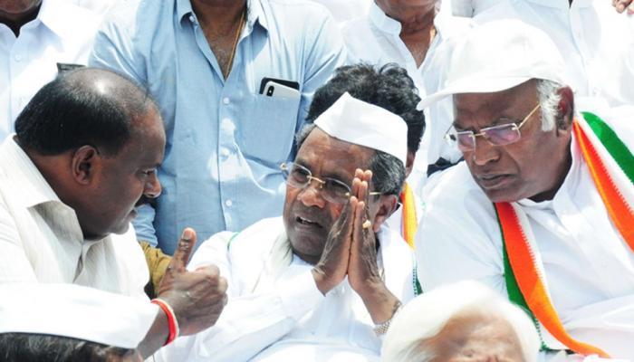 पहली ही परीक्षा में 'फेल' हुआ कांग्रेस-जेडीएस गठबंधन, इस सीट पर लड़ेंगे एक दूसरे के खिलाफ चुनाव
