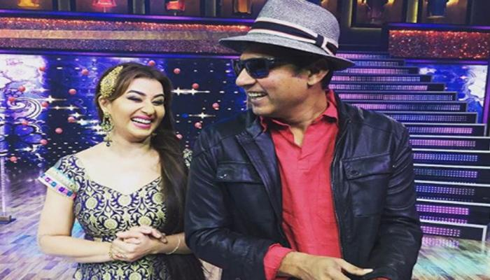 VIDEO: 'भाभी जी' ने अजय जडेजा के साथ कजरारे-कजरारे पर लगाए जबरदस्त ठुमके