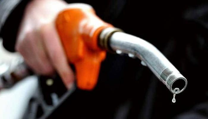 बड़ा झटका: 3.50 रुपए महंगा हुआ पेट्रोल, डीजल पर भी 2.96 रुपए बढ़े दाम, ये है आज का भाव