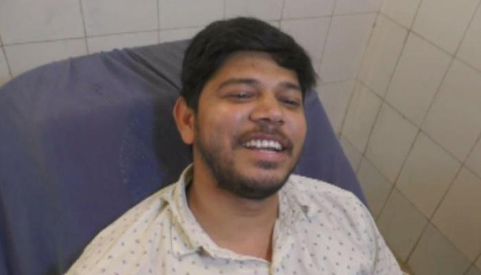 रोजा तोड़ मुस्लिम युवक ने बचाई फौजी के बेटे की जान