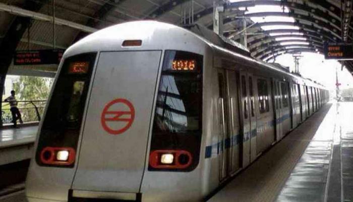 CISF और मेट्रो स्टेशन स्टाफ में हो गई जमकर मारपीट और थम गई दिल्ली मेट्रो की रफ्तार