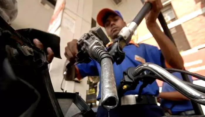 लगातार 8वें दिन सस्ता हुआ पेट्रोल-डीजल, जानिए आज का क्या है भाव