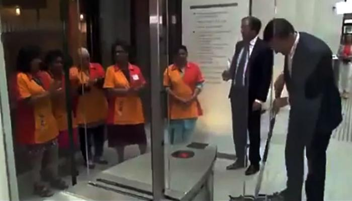 Video: नीदरलैंड के प्रधानमंत्री ने किया कुछ ऐसा, जानकर कहेंगे- 'PM हो तो ऐसा'