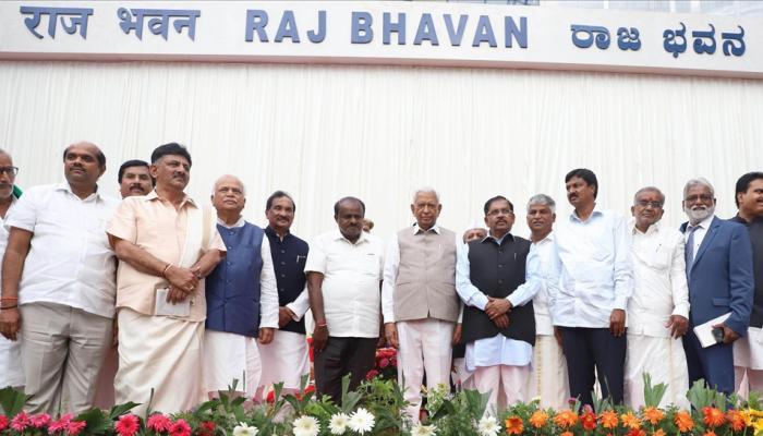 कर्नाटक: मंत्री पद न मिलने से कांग्रेस के कई नेता नाराज, पार्टी की मुश्किलें बढ़ीं