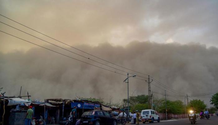 देश के इन हिस्सों में आंधी-तूफान ने बरपाया कहर, 55 लोगों की हुई मौत