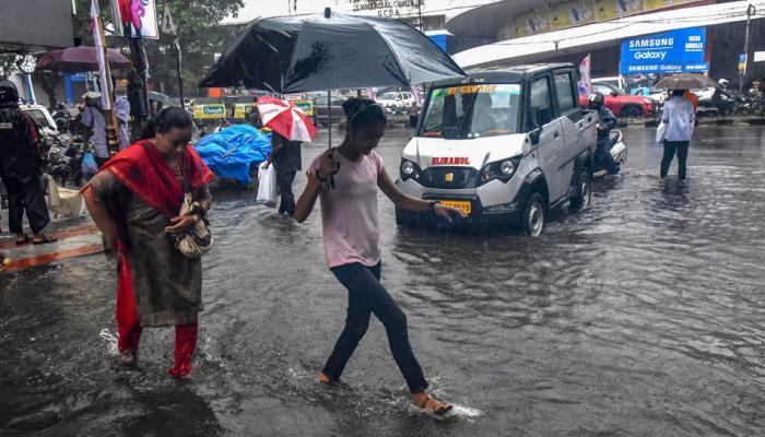 मानसून से पश्चिमी तट पर भारी बारिश, कर्नाटक में जनजीवन अस्त-व्यस्त