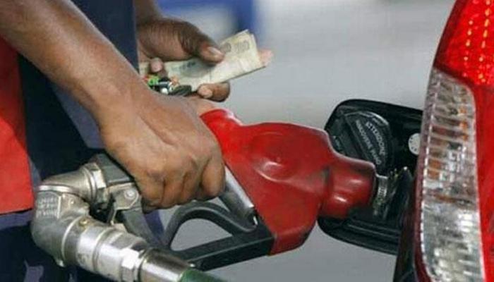 खुशखबरी : 2 रुपये सस्ता हुआ पेट्रोल, डीजल में डेढ़ रुपये की कटौती