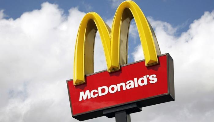 प्लास्टिक स्ट्रॉ बंद करेगा मैकडोनल्ड्स, इंग्लैंड में 1 दिन में 18 लाख स्ट्रॉ की खपत
