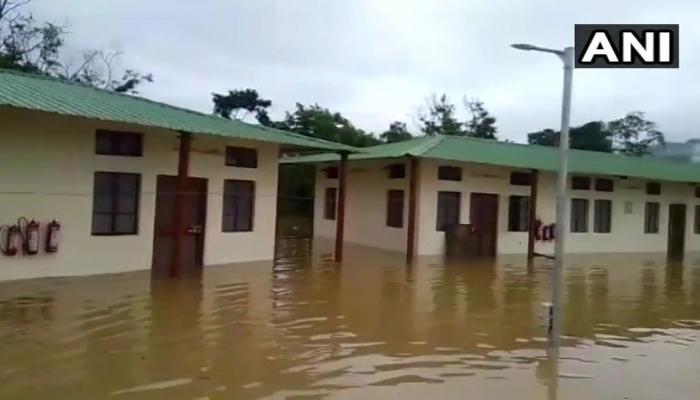 पूर्वोत्तर में बाढ़ से 12 लोगों की मौत, 4 लाख लोग प्रभावित