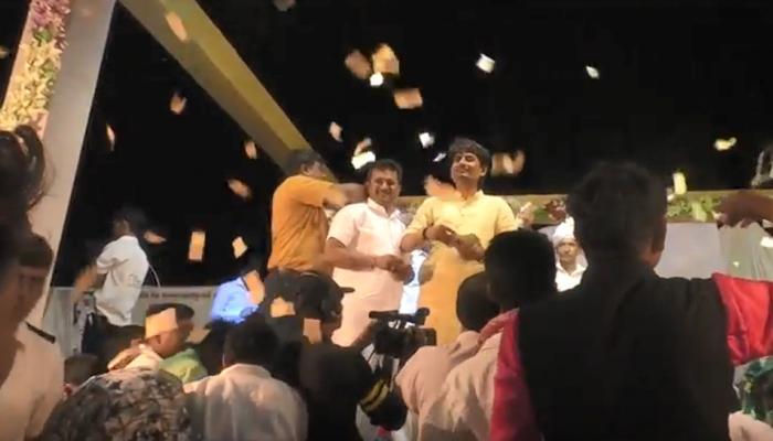 VIDEO : गुजरात में कांग्रेस विधायक अल्पेश ठाकुर ने भजन संध्या में जमकर उड़ाए नोट
