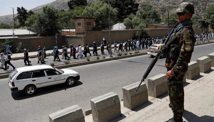 शांति का आह्वान करते हुए, पूरे अफगानिस्तान से लोग मार्च करते हुए पहुंचे काबुल
