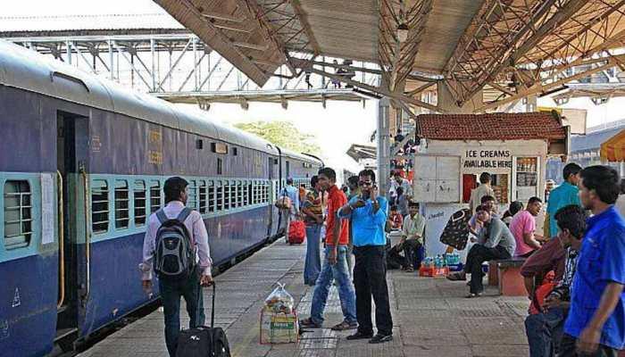 2 अक्टूबर तक देश के सभी रेलवे स्टेशनों के शौचालयों को अपग्रेड करने के निर्देश