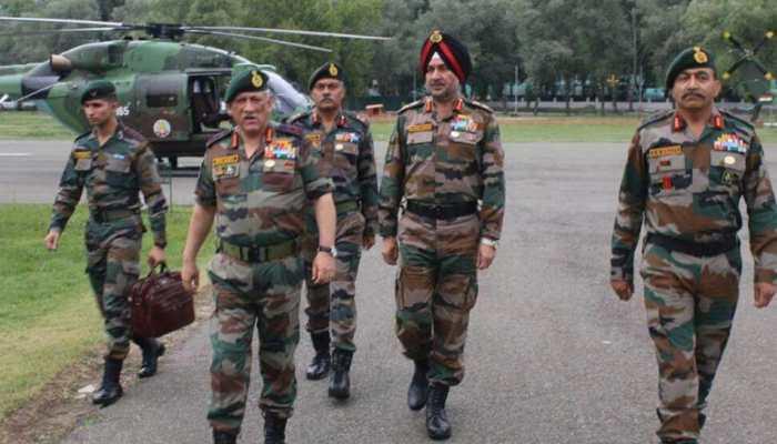 सेना प्रमुख ने घाटी में सुरक्षा समीक्षा की, अतिरिक्त सतर्कता बरतने पर दिया बल
