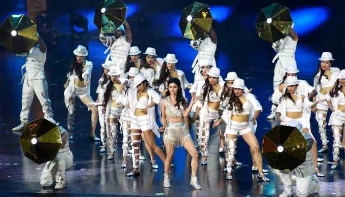 mouni roy burns the dance floor at IIFA 2018 — Pics inside