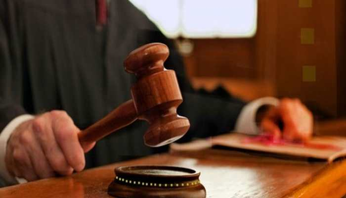 INDIA TODAY: judge imprisoned daughter because she loves a lawyer