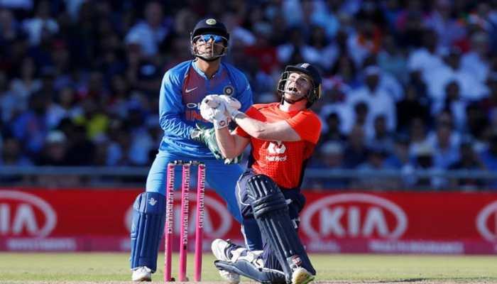 महेंद्र सिंह धोनी ने स्टंप के पीछे दिखाई फिर 'कलाकारी', ऐसे जीता हर भारतीय का दिल