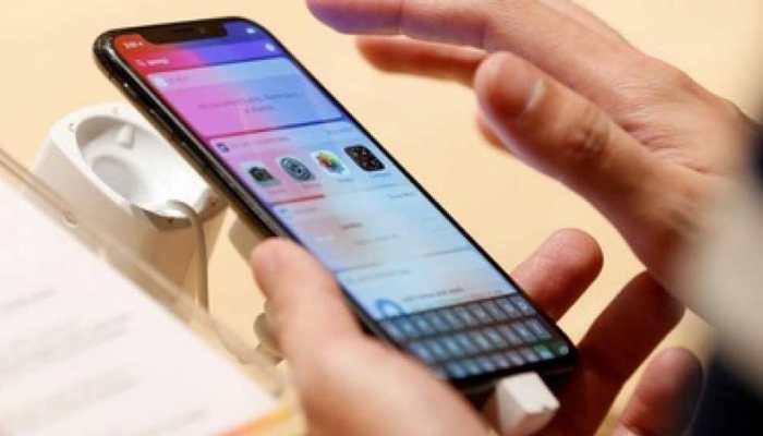 भारत की आधी आबादी करना चाहती है मोबाइल टाइम में कटौती, सर्वे में हुआ खुलासा