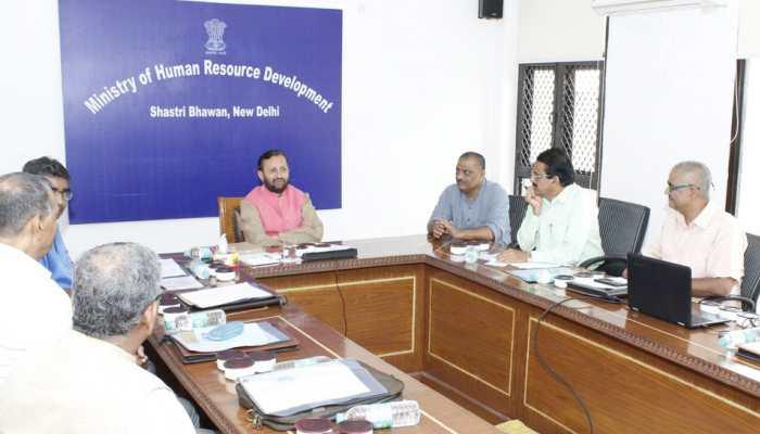 प्रकाश जावड़ेकर ने ली मैथिली लिपि के सरंक्षण के लिए गठित समिति की पहली बैठक