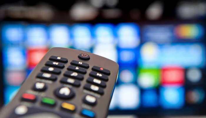 Reliance का सबसे बड़ा धमाका, 1 साल तक फ्री देखें HD चैनल्स, कैशबैक का भी फायदा