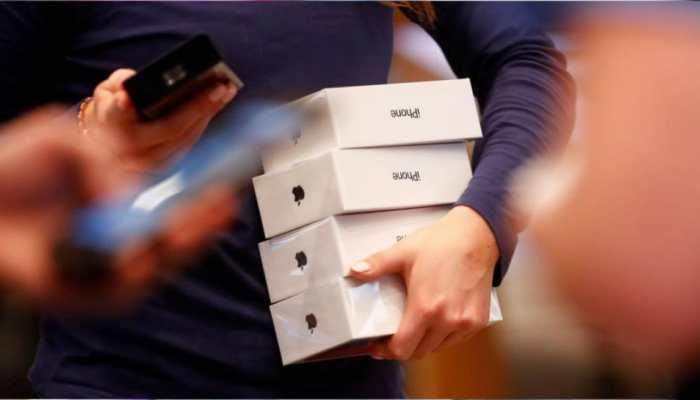 दुकान से 100 से अधिक स्मार्ट फोन-हेडफोन गायब, दस लाख का सामान सहित कैश की भी चोरी
