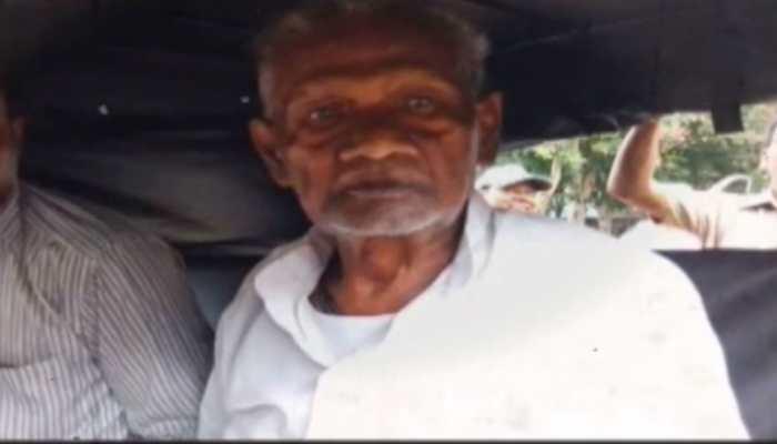 होटल में छात्रा के साथ आपत्तिजनक स्थिति में पकड़ा गया 80 वर्षीय बुजुर्ग