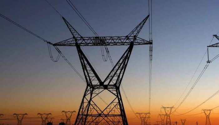 उमस के चलते दिल्ली में बिजली की खपत ने तोड़े सारे रिकॉर्ड, 6998 MW पहुंची मांग