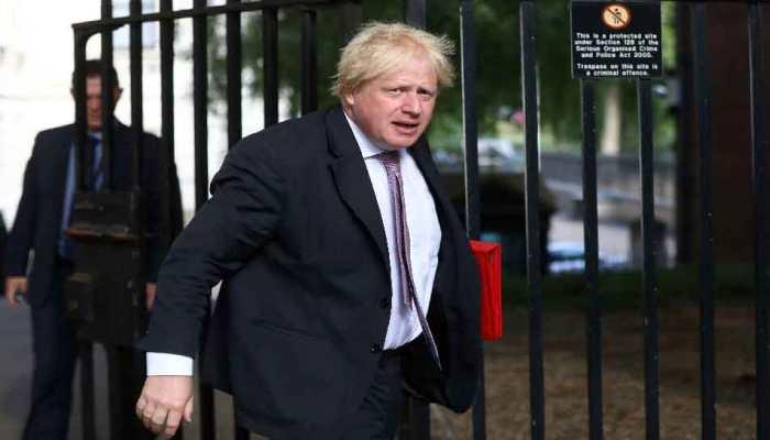 राजनीतिक संकट के बीच ब्रिटेन के विदेश मंत्री ने दिया अपने पद से इस्तीफा