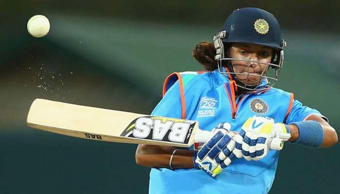 महिला टी-20 टीम की कप्तान हरमनप्रीत कौर की BA की डिग्री है फर्जी, DSP से बनेंगी सिपाही!