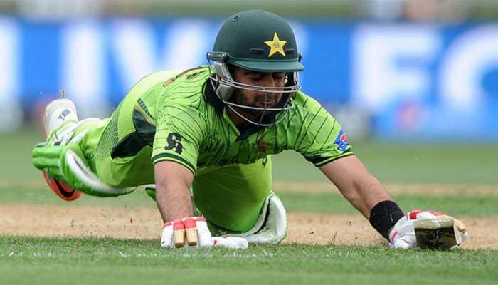 अब नई मुसीबत में पाकिस्तानी क्रिकेटर अहमद शहजाद, 4 साल का लग सकता है बैन