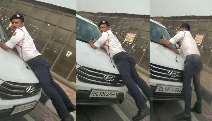 VIDEO: चालान से बचने के लिए कांस्टेबल को मारी टक्कर, बोनट में लटका रहा सिपाही, दौड़ती रही कार