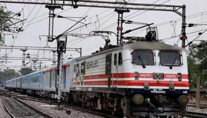 नार्दन रेलवे ने 16 ट्रेने की रद्द, 7 का बदला मार्ग, जानिए अपनी ट्रेन का स्टेटस