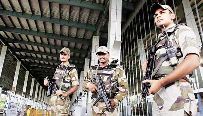 अमित शाह की अगुवानी का नहीं मिला मौका तो BJP सांसद ने एयरपोर्ट पर खड़ा किया हंगामा