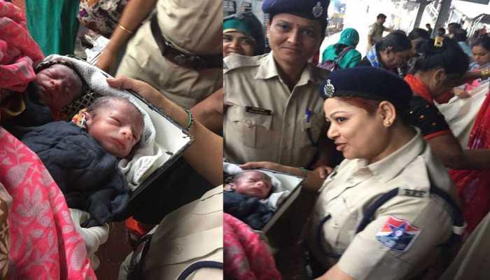 ठाणे: ट्रेन आधे घंटे के लिए रोकी गई फिर महिला ने जुड़वा बच्चों को जन्म दिया