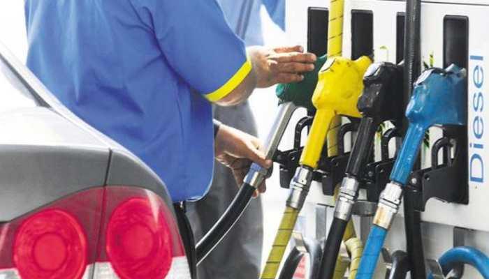 फिर सस्ता हुआ पेट्रोल-डीजल, 11 दिन दाम बढ़ाने के बाद घटाई गई कीमतें