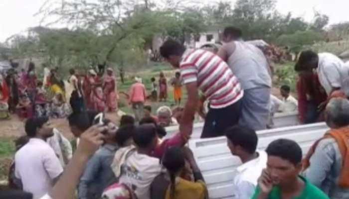 मध्य प्रदेश: शिवपुरी में भीषण सड़क हादसा, 5 लोगों की मौके पर मौत, 11 घायल