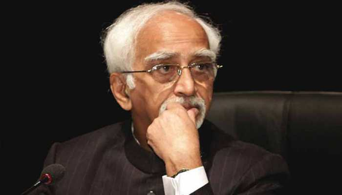 भारतीय लोकतंत्र हिंदुत्व पर आधारित अनुदार लोकतंत्र में हो सकता है तब्दील : हामिद अंसारी