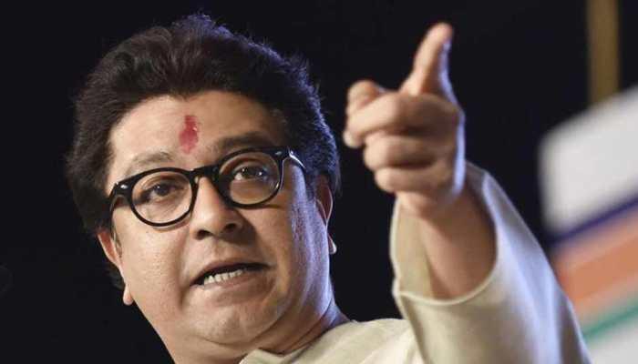 महाराष्ट्र: राज ठाकरे ने मराठा आरक्षण को लेकर फडणवीस पर बोल हमला
