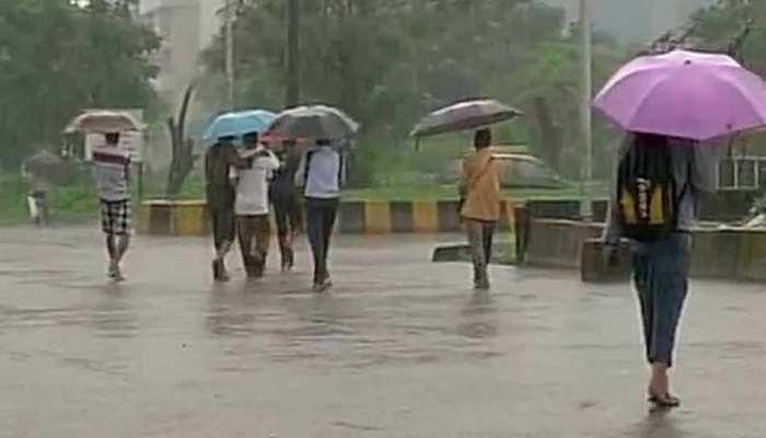 दिल्ली-NCR में झमाझम बारिश से मौसम हुआ सुहावना, गर्मी से मिली राहत