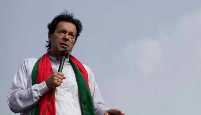 पाकिस्तान : आचार संहिता का उल्लंघन करने पर रद्द हो सकता है इमरान खान का वोट, EC ने दिया नोटिस