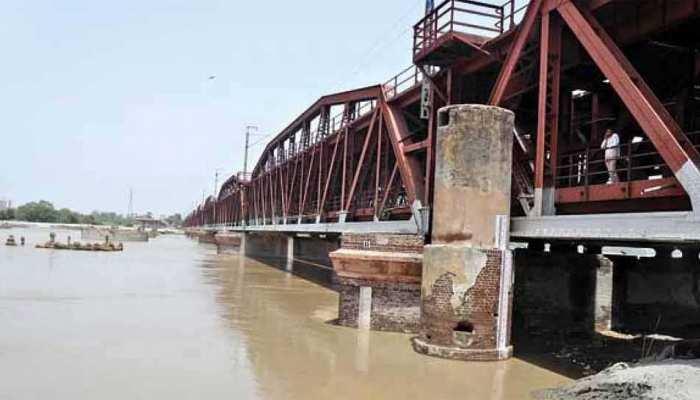 विशेषज्ञों ने दी यमुना को लेकर राय, बोले- 'पानी का प्रवाह बढ़ने से बेहतर हुई स्थिति'