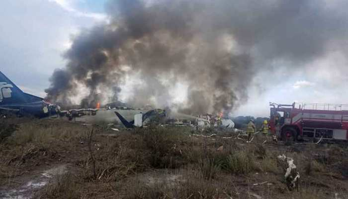 मैक्सिको में विमान दुर्घटनाग्रस्त, 85 लोगों हुए घायल