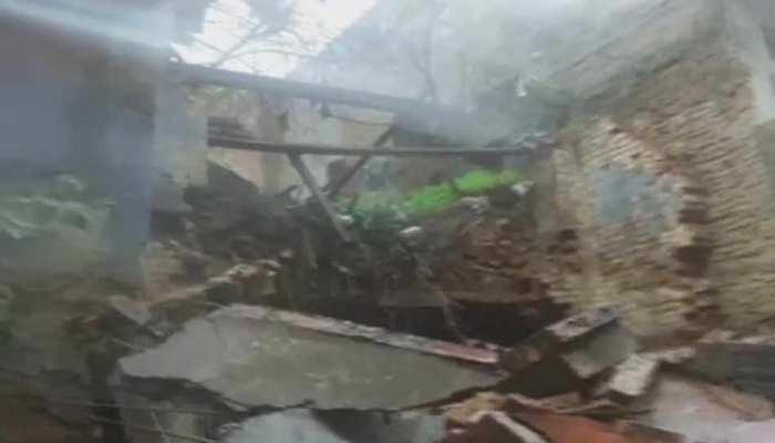 फतेहपुर: बारिश से कच्चा मकान ढहा, एक की मौत, दो घायल